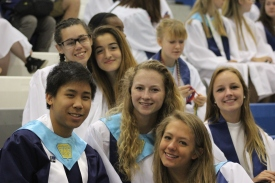 Johnathan Lo, Brooke Washington, Julia Morera, Maddie Olech, Megan Lohner, and Aude Kuzniak smile for the camera. Photo Credit / Frankie Stevens
