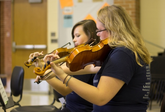 Senior Kate Kay plays the violin. Kay is a senior and has been in Orchestra all four years. Photo Credit / Sidney Richardson